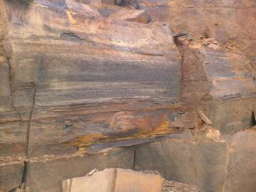 sedimentary sandstone layers