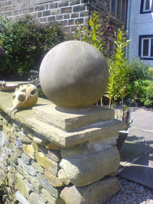 Decorative stone balls