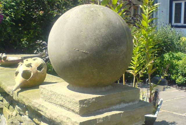 Stone ball gatepost top