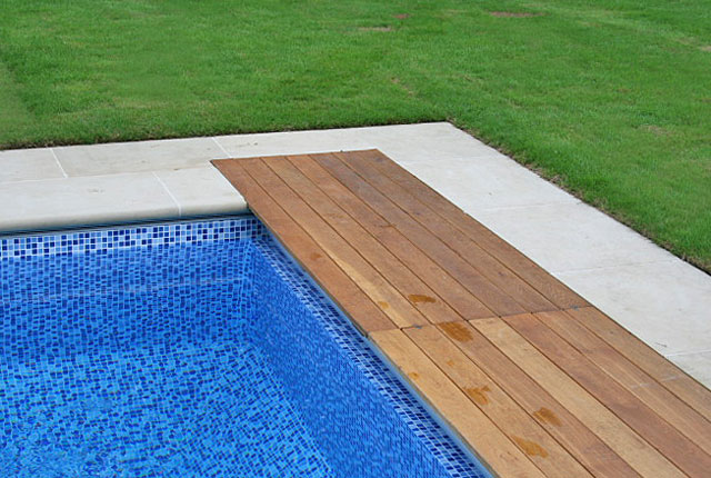 Swimming pool coping from Yorkshire stone